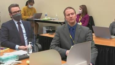Derek Chauvin à son procès sur une capture écran de Court TV, le 15 avril 2021