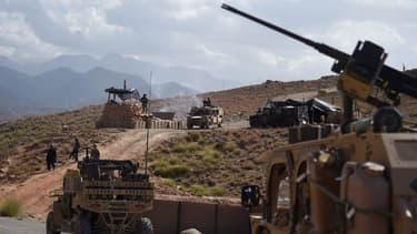 Les forces de l'OTAN et un commando afghan à un checkpoint dans l'est de l'Afghanistan le 7 juillet dernier. (Photo d'illustration)