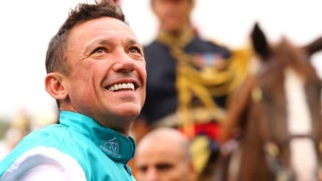 Lanfranco Dettori est le jockey le plus titré dans le Prix de l'Arc de Triomphe