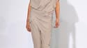 Pour sa collection de prêt-à-porter printemps-été 2011, la styliste française Anne Valérie Hash a imaginé un vestiaire empreint d'infinie douceur et léger comme un souffle, déclinant une palette entièrement vouée au poudré et jouant les effets de matière