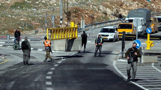 Poste de contrôle à al-Zaïm, en Cisjordanie occupée