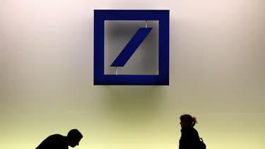 La première banque allemande affiche une perte de plus de 6 milliards d'euros pour 2015.