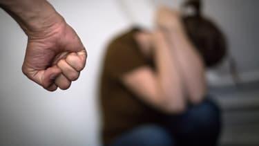 Une trentaine d'auteurs de violences conjugales seront concernés par cette expérimentation