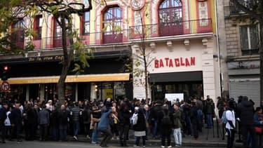 Devant le Bataclan, le 13 novembre 2017, deux ans après les attentats.