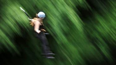 La jeune femme a sauté sans être attachée (photo d'illustration)