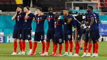 Les Bleus lors des tirs au but face à la Suisse en 2021