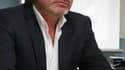 Le ministre de l'Intérieur Claude Guéant a annoncé mardi la suspension du numéro deux de la police judiciaire de Lyon, Michel Neyret, mis en examen et écroué la veille dans une affaire de corruption. /Photo prise le 17 mai 2011/REUTERS/20 Minutes/Cyril Vi