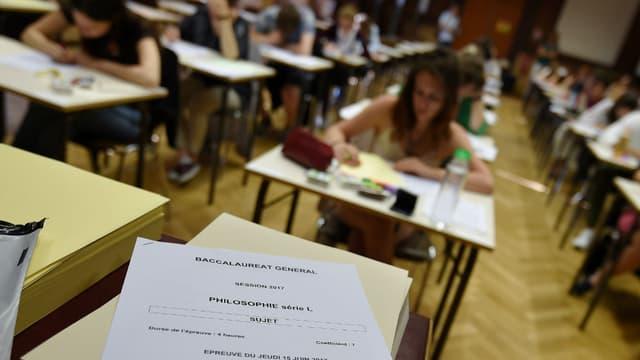 Une salle d'examen lors de l'épreuve de philosophie en série L du baccalauréat 2017.