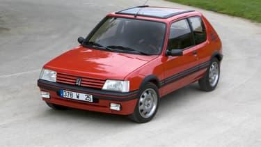 La Peugeot 205 est le modèle potentiellement le plus touché par l'interdiction de circuler avec les anciennes versions de Renault Clio et de Volkswagen Golf.