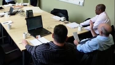 Lors des réunions, il faut rester concentré et résister à la tentation de consulter sa messagerie.
