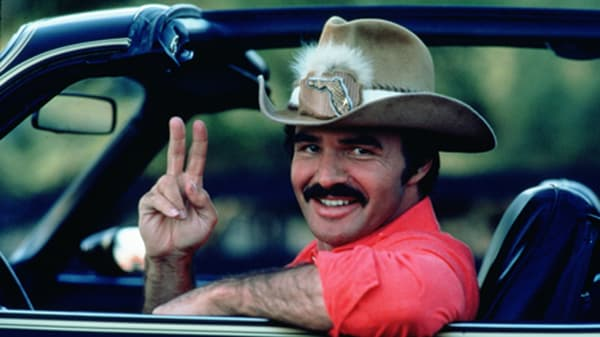 """Burt Reynolds dans """"Tu fais pas le poids, Shérif!"""", en 1980."""