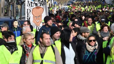 Des gilets jaunes manifestent à Béziers (photo d'illustration)
