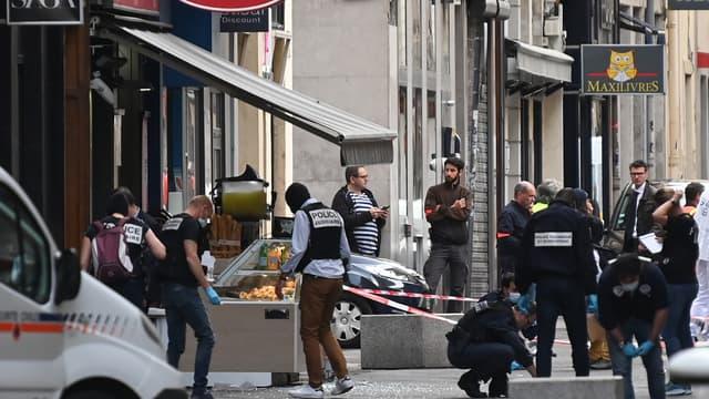 Le colis piégé a explosé devant une boutique La brioche dorée, vendredi 24 mai 2019.