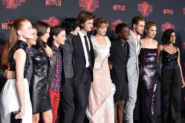 """L'acteur Charlie Heaton était le grand absent de la première de la saison 2 de """"Stranger Things"""" qui se tenait à Westwood, le 26 octobre 2017"""