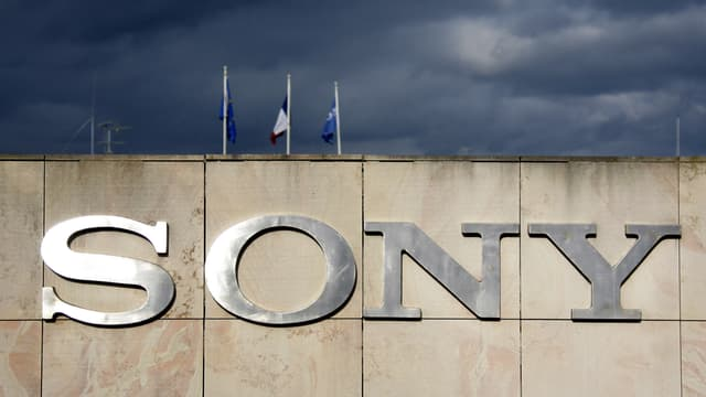 Après ses difficultés dans les divisions télé et PC, c'est dans le mobile que Sony cale.