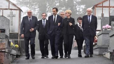 Claude Chirac entourée de son époux Frédéric Salat-Baroux au cimetière de Sainte-Féréole en Corrèze, samedi 5 octobre 2019.