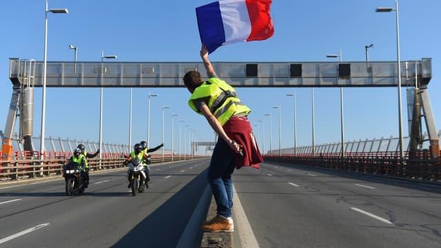 Manifestation de gilets jaunes sur la rocade de Bordeaux le 17 novembre.