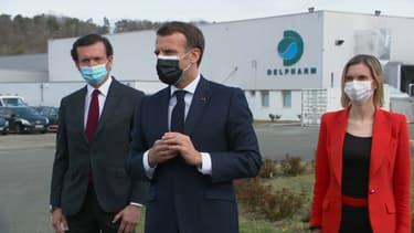 Emmanuel Macron en visite dans une usine d'Eure-et-Loir, le 9 avril 2021.