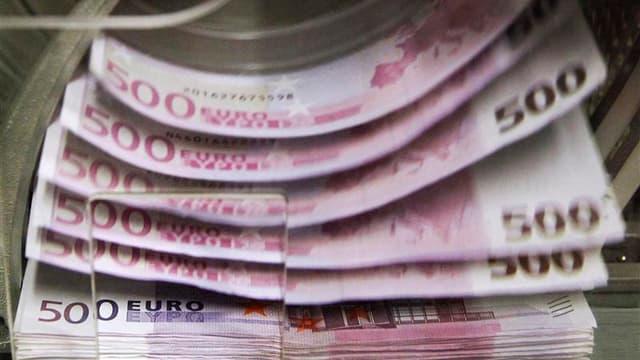 Le Conseil d'État devrait enterrer toute idée de taxation à 75%, jugeant que le nouvel impôt sur les hauts revenus voulu par le gouvernement français ne peut conduire à une imposition des ménages supérieure à 66,66%, selon Le Figaro. Cette analyse de la s