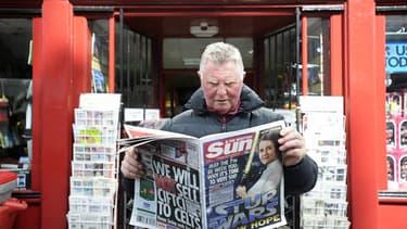 Le quotidien britannique redeviendra gratuit le 30  novembre à deux services près : le Club Dream Team, un jeu de fantasy football, ou l'application «The Sun Classic», qui offre une version en pdf du quotidien.