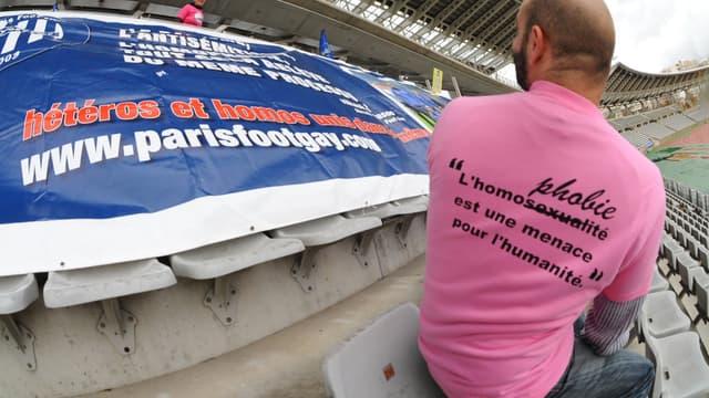 Le Paris Foot Gay lutte contre l'homophobie dans le sport.