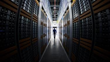Malgré l'omniprésence des ordinateurs et du trading automatisé sur les marchés, l'humain reste indispensable et garde encore une longueur d'avance. Mais jusqu'à quand ?