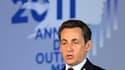 En Guadeloupe pour présenter ses voeux aux 2,5 millions de Français ultra-marins, Nicolas Sarkozy a promis dimanche de continuer à se battre pour la France de l'Outre-mer tout en la pressant d'agir pour réduire sa dépendance économique vis-à-vis de la mét