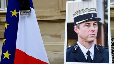 Le colonel Arnaud Beltrame s'était livré comme otage à la place d'une femme lors de l'attaque terroriste.