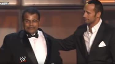 Dwayne Johnson et son père, Rocky en 2008.