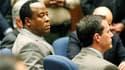 Le Dr Conrad Murray, médecin personnel de Michael Jackson, a été reconnu coupable lundi d'homicide involontaire dans la mort du chanteur au terme d'un procès ultramédiatisé de six semaines. Il est passible de quatre ans de prison. /Photo prise le 7 novemb