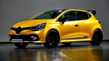 Renault Sport va dévoiler une déclinaison de la Clio RS à Monaco, ce vendredi. Pour l'instant, la marque n'a filtré que ce cliché officiel.
