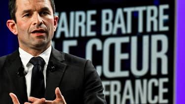 Benoït Hamon dévoile comment il veut créer un million d'emplois en France.