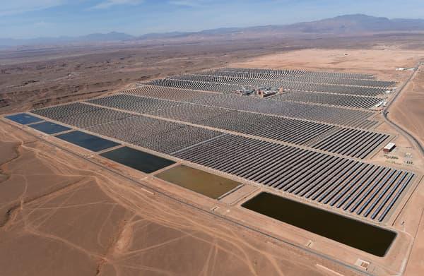 Vue aérienne de la première tranche de la centrale solaire Noor.