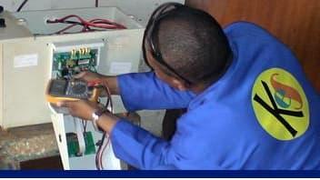 EDF est déjà présent en Afrique notamment en Afrique du Sud: il va développer l'électrification rurale grâce à un accord conclu avec l'IFC, membre de la Banque Mondiale