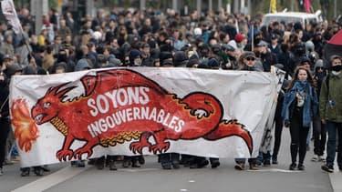 Des personnes manifestent à Nantes, le 1er mai 2017.