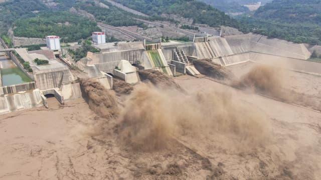 Le barrage de Xiaolangdi à Luoyang dans la province du Henan en Chine le 5 juillet 2021.