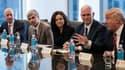 En 2016, Donald Trump, président des Etats-Unis, et Mike Pence, vice-président, recevaient cordialement les dirigeants des géants de la tech : Jeff Bezos (Amazon), Sheryl Sandberg (Amazon) et Larry Page (Google).