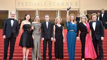 L'équipe du film La Tête Haute, qui ouvre le Festival de Cannes.