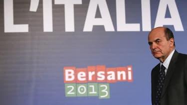 Dans une interview publiée vendredi par le quotidien La Repubblica, le chef de file du centre-gauche, Pier Luigi Bersani, déclare exclure une grande coalition avec la droite malgré le blocage politique issu des élections législatives en Italie et envisage