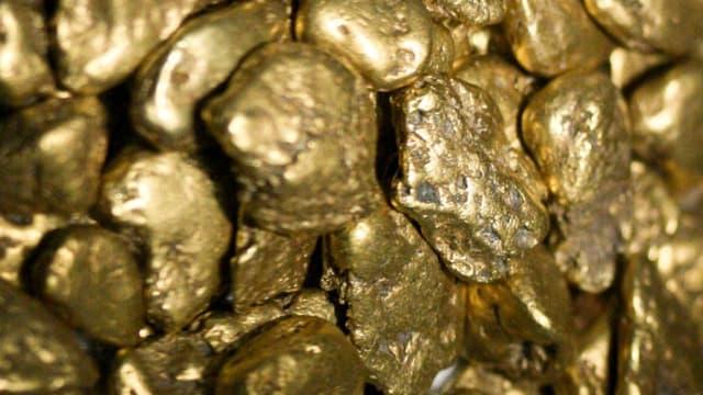 L'once d'or a atteint son plus bas d'un an en milieu de semaine