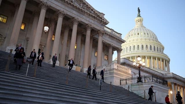 La fermeture partielle du gouvernement fédéral américain est donc entrée en vigueur faut d'un accord sur son financement au Sénat.