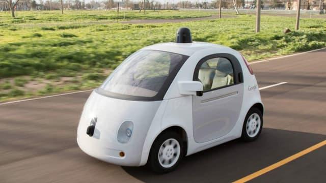 """""""Firefly"""", le premier prototype autonome de Google, prend sa retraite cet été."""