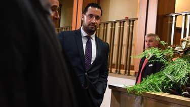 Alexandre Benalla quitte le Sénat après avoir été auditionné, le 19 septembre 2018 à Paris.