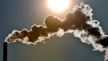 Le gouvernement de Justin Trudeau souhaite à la mise en place d'une taxe carbone en 2018. (image d'illustration)