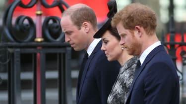 Kate, William et Harry se recueillent pour les victimes de l'attentat de Londres, le 5 avril 2017