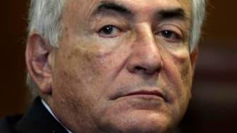 La justice américaine a décidé de libérer Dominique Strauss-Kahn sur parole, levant la caution qui lui avait été imposée et rendant l'argent versé en garantie lors de sa mise en liberté sous surveillance en mai. Les autorités américaines vont toutefois co