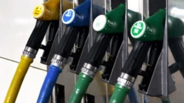 Malgré la mise en place de la taxe carbone, le gouvernement maintient les exonérations de taxe sur le gazole.