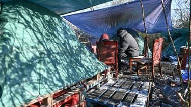Un campement de migrants à Calais le 9 février 2021