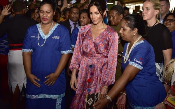eghan Markle lors de sa visite du marché de Suva