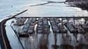 Vue aérienne d'une zone inondée à La Faute-sur-Mer, en Vendée. Les forts coefficients de marée prévus pour les jours qui viennent suscitent des craintes sur la façade atlantique française, où la tempête Xynthia a détruit de nombreuses digues ce week-end.
